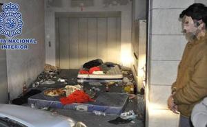 Secuestra a una chica durante tres días en un garaje de Murcia para drogarla y violarla