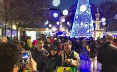 Las buenas temperaturas llenan las calles de Granada
