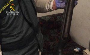 El asesinado llevaba puesto un chaleco de Guardia Civil