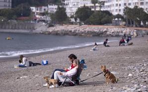El turismo de apartamento anima el puente en la Costa