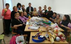 Monachil ahorrará más de 10.000 euros con adornos navideños caseros