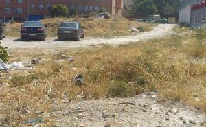 El PSOE critica el «mal estado» de los aparcamientos junto al centro de salud de Expansión Norte