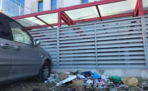 Critican el estado de los alrededores del centro de salud del Bulevar