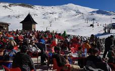 Sierra Nevada registra su mejor puente de cuatro días de diciembre con unos 40.000 esquiadores