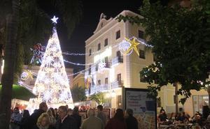Una veintena de comercios sexitanos participa en el concurso de escaparates navideños