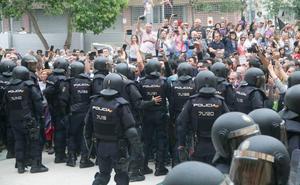 Procesan al primer alcalde por incitar al odio contra la Policía Nacional tras el 1-O