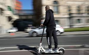 Las personas con discapacidad piden una regulación estatal de los patinetes eléctricos ante su «circulación indiscriminada»
