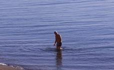 ¿Un bañito en la Costa Tropical en pleno mes de diciembre?