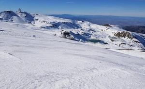 Los trabajadores de Cetursa-Hostelería logran un acuerdo con la empresa que gestiona Sierra Nevada