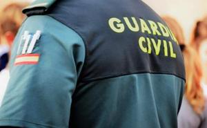 Multan con 3.000 euros a un guardia civil por disparar a las casas de sus vecinos