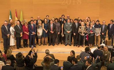 Entrena: «Granada no dará ni un paso atrás en igualdad ni en solidaridad ni en humanidad»