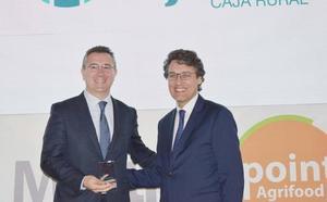 Cajamar recibe un premio por su «apuesta decidida y continuada» por el sector agroalimentario