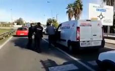 Un repartidor persigue al ladrón de su furgoneta cargada de paquetes del Black Friday en Sevilla