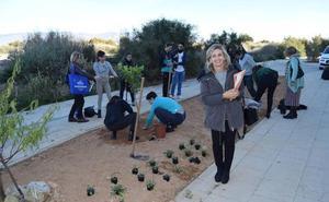 La UAL homenajea con un jardín al voluntariado