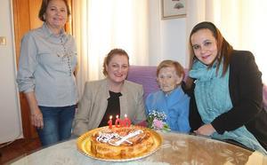 La vecina más mayor de Salobreña cumple 100 años