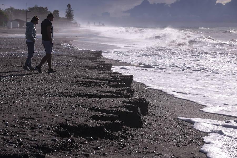 Motril se plantará para que no se toque la arena de Poniente para regenerar Playa Granada