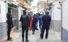 Los apagones en La Paz se ceban con sus vecinos y negocios en los días de más frío