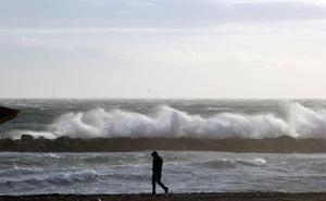 Activan la alerta naranja en la provincia por fuertes vientos y oleaje durante hoy y mañana