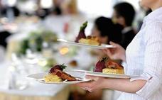 ¿Buscas trabajo? Se necesitan 20 camareros para un hotel de Granada y otras ofertas de empleo del SAE