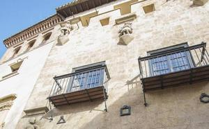 El Museo Casa de los Tiros restaura la portada del inmueble e inicia labores de conservación de los fondos documentales