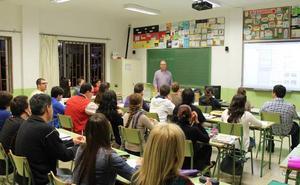 Los sindicatos claman contra el despido de los docentes interinos en verano