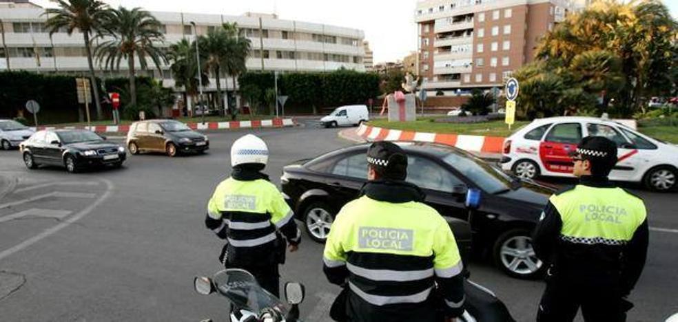 De Haro convoca hoy de urgencia para reponer los 60 policías 'jubilables'