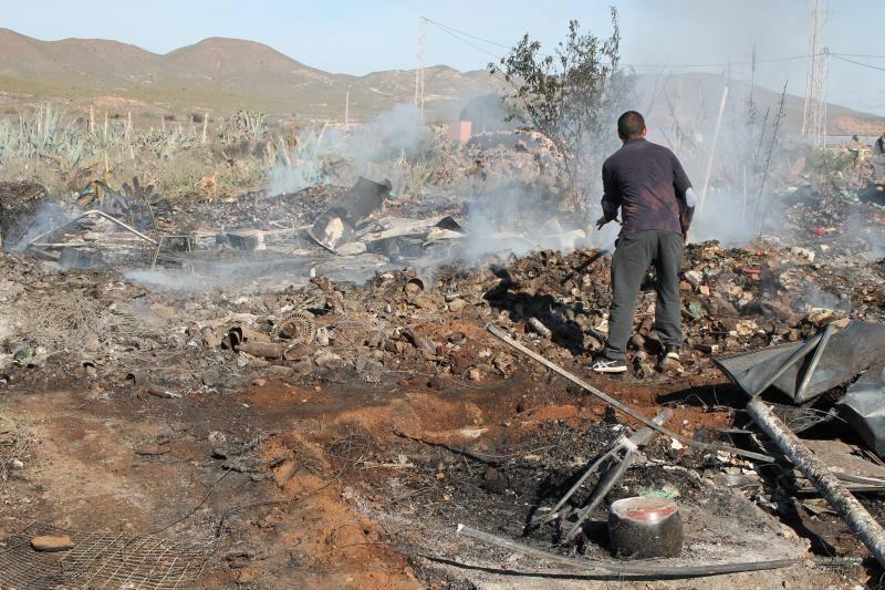 Así ha quedado el poblado chabolista de Níjar arrasado por el fuego