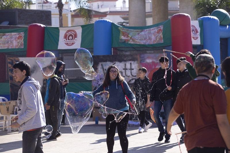 El encuentro joven comarcal reúne a 500 chavales en la plaza de la Coronación de Motril