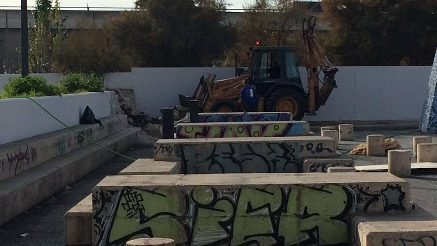 El botellódromo dice adiós a los grafitis y la fila de urinarios