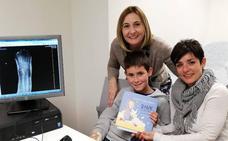 'Cuentos de Bata Blanca', los libros infantiles escritos por profesionales sanitarios de Granada