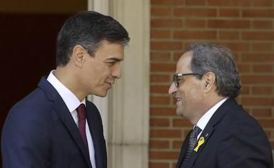 Sánchez y Torra pactan su reunión pero discrepan en el formato