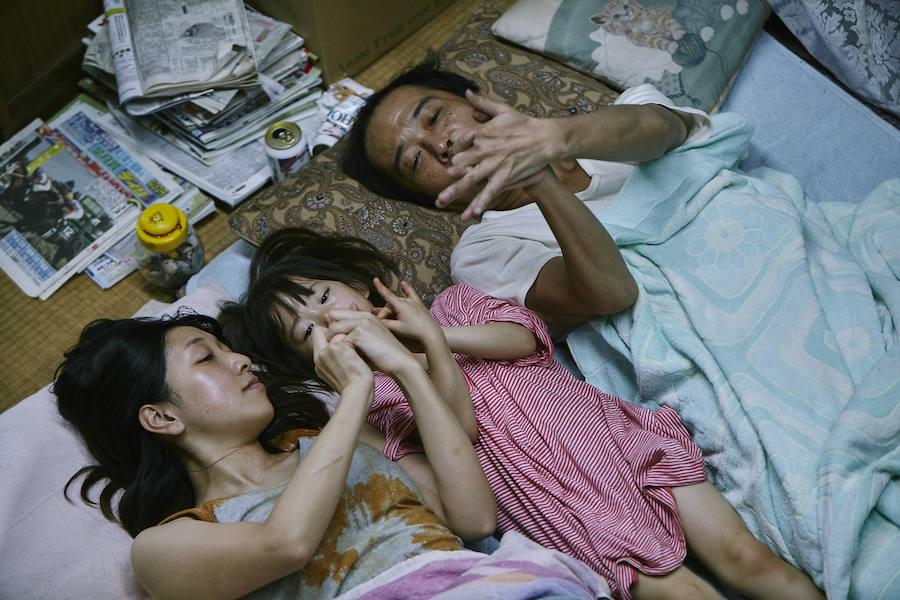 Kore-eda vuelve a teñir de humanismo un drama familiar