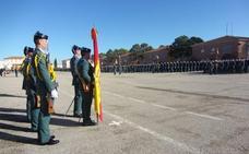 1.299 guardias civiles juran bandera en la academia de Baeza