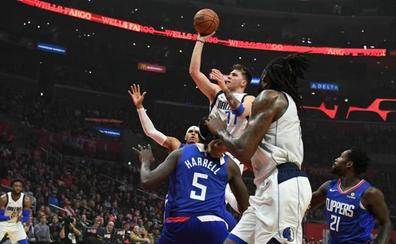 Los Clippers superan a un estelar Doncic y los Heat frenan a los Rockets