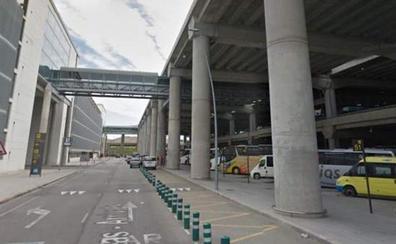 Muere una chica de 28 años al caer desde una pasarela de 20 metros de altura en el aeropuerto de Alicante