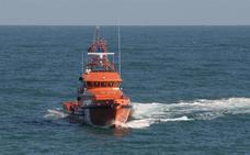 Mueren dos niños y rescatan vivas a 69 personas tras el naufragio de una patera en mar de Alborán