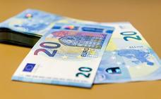 Un sintecho devuelve una cartera con 1.000 euros que encontró