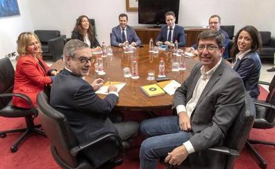 PP y Cs acuerdan separar de la función pública a los cargos imputados por corrupción