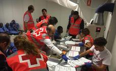Llegan a Motril las 53 personas rescatadas en el Mar de Alborán