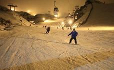 Sierra Nevada inaugura este sábado el esquí nocturno