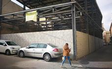 Quejas por la pérdida de plazas de aparcamiento tras el cierre de Los Uribe