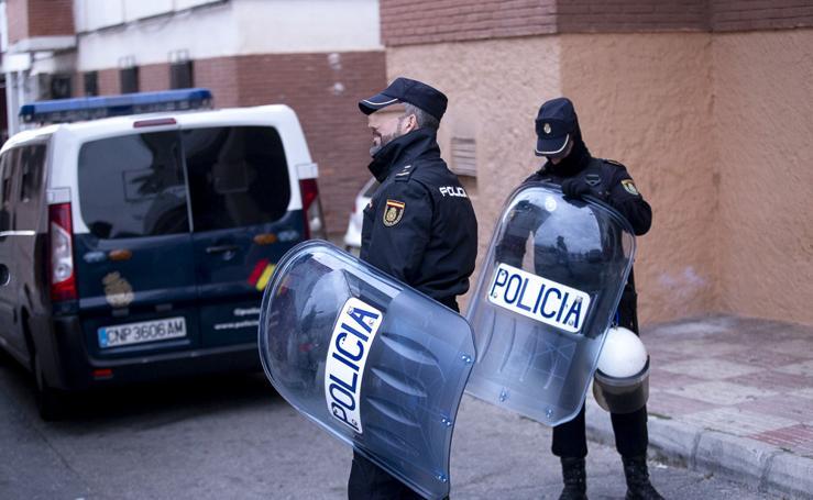 Registros y varios detenidos en un gran operativo policial en Motril
