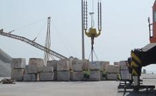Almería incrementa su exportación marítima en un 7% en un año de récord