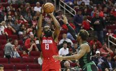 Harden se exhibe ante los Celtics