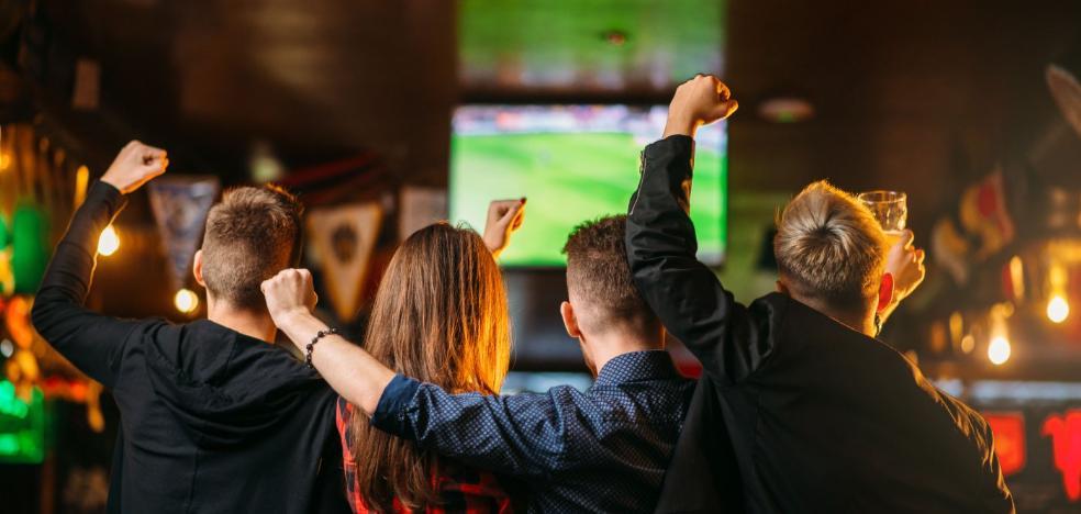 La Policía pilla a once bares con fútbol 'pirata'