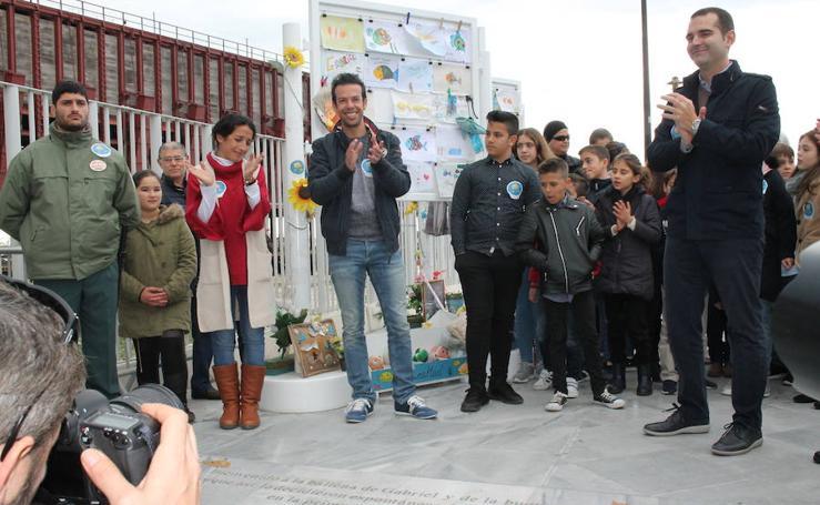 Los padres del niño Gabriel devuelven a los almerienses todo el cariño recibido en estos meses