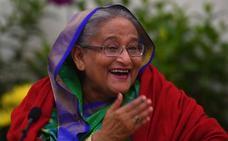 Hasina arrasa y es elegida para su cuarto mandato en Bangladesh