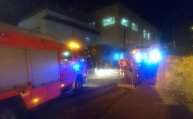 Una mujer, quemada y 21 intoxicados en el incendio de una residencia en Valencia