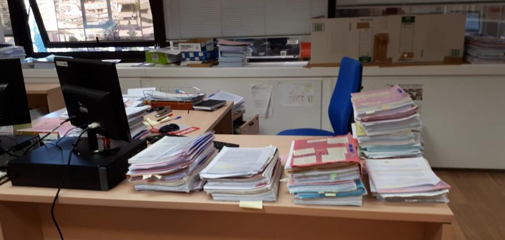 La Junta gasta casi 204.700 euros en folios en los tres primeros años del 'papel cero'