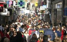 ¿Cuántos habitantes hay empadronados en la provincia de Granada y en la capital?